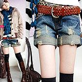 时尚酷感翻边牛仔短裤